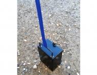 Ocelové závaží kvádr o hmotnosti 17 kg slouží k bezpečnému zajištění nůžkových stanů a rozkládacích párty stanů. Toto závaží je vhodné pro nůžkové stany CLASSIC a DELUXE.
