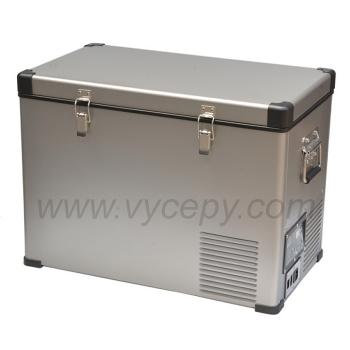 Ocelová kompresorová autochladnička Indel B TB46 Steel umožňuje kvalitní a dlouhodobé chlazení nápojů i potravin.