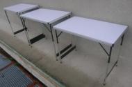 Sada 3x skládací stůl 100x60cm. Barva desky stolu skladem černá.