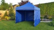 Stabilní nůžkový stan 3x3 m PROFI STEEL modrý s boky najde uplatnění na zahradách rodinných domů i na festivalech a jiných venkovních akcích.