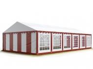 Párty stan větší velikosti STANDARD 5x12 m červeno-bílý pohostí na soukromé zahradní oslavě 50 až 80 lidí, kteří zde naleznou bezpečné přístřeší.