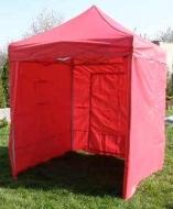 Nůžkový stan 2x2 m CLASSIC červený se 4 boky se snadno a rychle skládá a díky odolným bočnicím vás skvěle ochrání při nepřízni počasí.