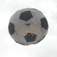 Lampion štěstí fotbalový míč. Barevné kombinace a rozměry na dotaz - průměr cca 80cm.
