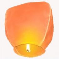 Lampion štěstí oranžové barvy. Rozměry: 40 x 60 x 106cm (40cm v nejužším místě, 60cm v nejširším místě, 106cm výška).