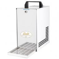 Výrobník sodové vody SODA PYGMY je profesionální zařízení určené k výrobě chlazené sodové vody mísením H2O a CO2.