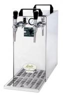 Výčepní zařízení KONTAKT 40/K profi disponuje kromě výkonu 35-40 l/hod. také dvěma výčepními kohouty a zabudovaným vzduchovým kompresorem s regulací, což z něj dělá nejpraktičtější chlazení v řadě KONTAKT 40. Točení piva se tak s jeho pomocí stává místo práce skutečnou zábavou.